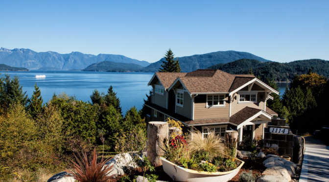Lakefront Living: Building Your Custom Lake House